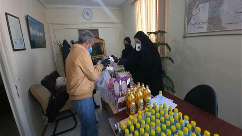پویش کمک مومنانه به خانواده های دانش آموزان نیازمند منطقه۱۳ تهران اجرا شد